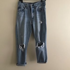 Levis 501 ripped jeans